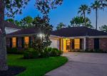Foreclosed Home en SANDYGATE LN, Houston, TX - 77095