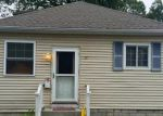 Foreclosed Home en HALLECK AVE, Riverside, RI - 02915