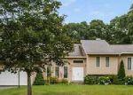 Foreclosed Home en ROCK RIDGE RD, Westerly, RI - 02891