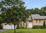 Foreclosed Home en ROCK RIDGE RD, Westerly, RI - 02891