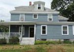 Foreclosed Home en OTIS ST, Milford, MA - 01757