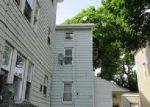 Foreclosed Home en PECKHAM ST, Fall River, MA - 02721