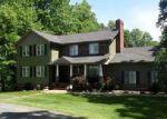 Foreclosed Home en COUNTRY CLUB RD, Appomattox, VA - 24522
