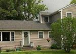 Foreclosed Home en CIRCLE DR, Coventry, RI - 02816