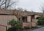 Foreclosed Home en 74TH LN S, Seattle, WA - 98178