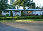 Foreclosed Home en 211TH AVE SE, Kent, WA - 98042