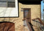 Foreclosed Home en N OAKS BLVD, North Brunswick, NJ - 08902
