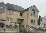 Foreclosed Home en ARCADIA AVE, Uniondale, NY - 11553