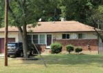 Foreclosed Home en 8TH AVE, Brentwood, NY - 11717