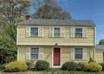 Foreclosed Home en DEERFIELD DR, Barrington, RI - 02806