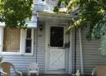 Foreclosed Home en MAURAN AVE, East Providence, RI - 02914