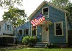 Foreclosed Home en KNOWLTON ST, Riverside, RI - 02915