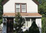 Foreclosed Home en BAYVIEW AVE, Baldwin, NY - 11510