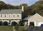Foreclosed Home en GREENVIEW LN, Taunton, MA - 02780