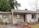 Foreclosed Home en SW 135TH ST, Seattle, WA - 98146