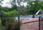 Foreclosed Home en GARDEN LN, Centereach, NY - 11720