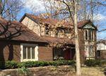 Foreclosed Home en WINTER CREEK RD, Rochester, MI - 48307