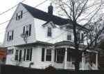 Foreclosed Home en MAPLE ST, Fall River, MA - 02720