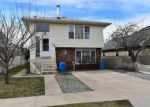 Foreclosed Home en QUEBEC RD, Island Park, NY - 11558