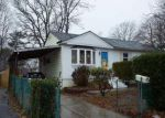 Foreclosed Home en 2ND ST, Brentwood, NY - 11717