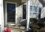 Foreclosed Home en PLEASANT VALLEY RD, Greensboro, NC - 27406
