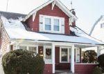 Foreclosed Home en STILLWELL PL, Freeport, NY - 11520