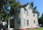 Foreclosed Home en CHURCH ST, Freeport, NY - 11520