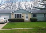 Foreclosed Home en SUSSEX LN, Crystal Lake, IL - 60014