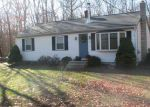 Foreclosed Home en STAGHEAD DR, Pascoag, RI - 02859