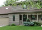 Foreclosed Home en N REBECCA ST, Crystal Lake, IL - 60014