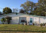 Foreclosed Home en MELVIN RD, Jacksonville, FL - 32210