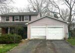 Foreclosed Home en CROYDEN DR, Cherry Hill, NJ - 08003