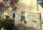 Foreclosed Home en GRAND TERRACE AVE, Baldwin, NY - 11510