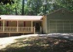 Foreclosed Home en OAK HILL CIR, Stone Mountain, GA - 30083