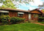 Foreclosed Home en VAL DR, Stratford, CT - 06614
