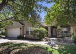 Foreclosed Home en W LAURENDALE DR, Fresno, CA - 93722