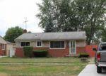 Foreclosed Home en BEACONSFIELD ST, Clinton Township, MI - 48035