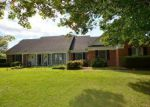 Foreclosed Home en FAIRWAY DR, Charles Town, WV - 25414