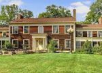 Foreclosed Home en GEAUGA LAKE RD, Chagrin Falls, OH - 44023