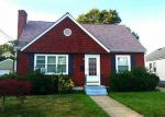Foreclosed Home en FIAT AVE, Cranston, RI - 02910