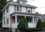 Foreclosed Home en RIVER AVE, Providence, RI - 02908