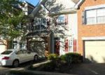 Foreclosed Home en KING GEORGE LN, Toms River, NJ - 08753