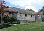 Foreclosed Home en LAKEVIEW AVE, Hamden, CT - 06514