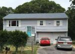 Foreclosed Home en OCEAN AVE, Central Islip, NY - 11722