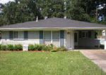Foreclosed Home en MAPLE DR, Lafayette, LA - 70506