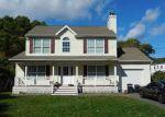 Foreclosed Home en GAYNOR RD, Centereach, NY - 11720