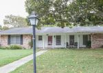 Foreclosed Home en MOCKINGBIRD LN, Seguin, TX - 78155