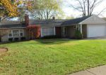 Foreclosed Home en DOLE AVE, Crystal Lake, IL - 60014