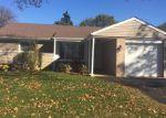 Foreclosed Home en W VILLA DR, Des Plaines, IL - 60016