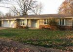 Foreclosed Home en KENSINGTON DR, Waukesha, WI - 53188